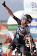 Vuelta 2021: Bardet solos to victory, Eiking stays in red